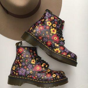 Dr Martens 101 Black Vintage Garden Boot